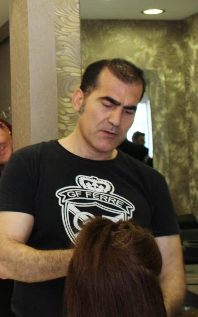 hair extensions expert in istanbul Murat Kolukırık